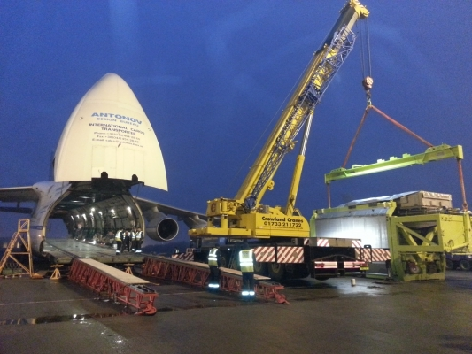 Airbus A380 Engine Lift